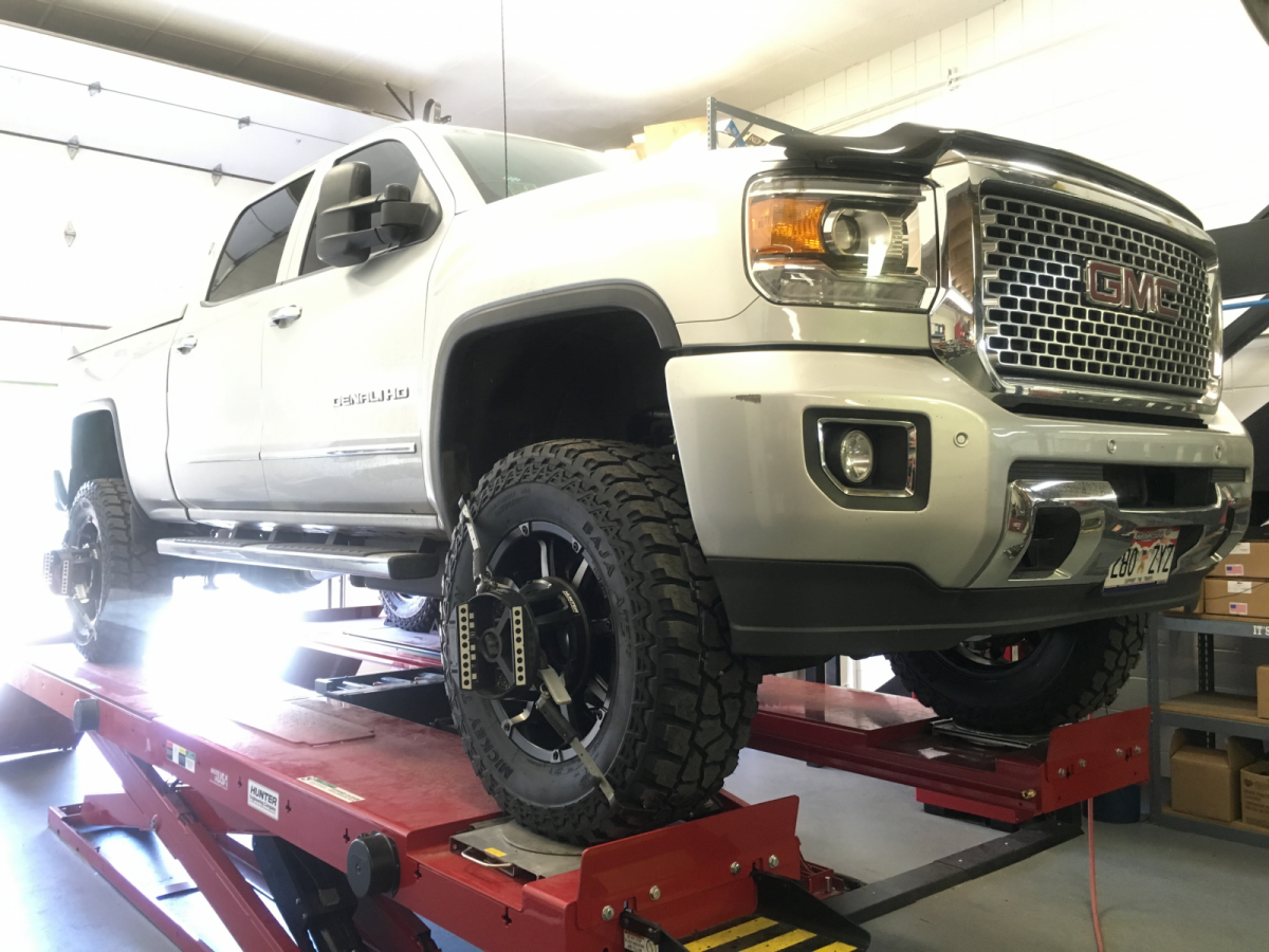 "2015 GMC Sierra Denali 2500 HD 6 1/2"" BDS Suspension, 20X9 ..."