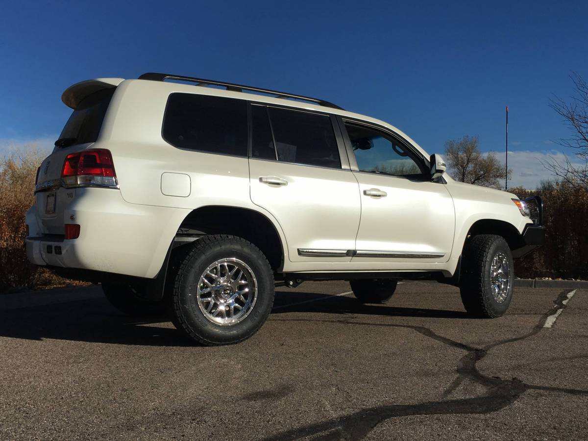 "Toyota Service Appointment >> 2016 Toyota Land Cruiser OME Suspenion 33"" Nitto Terra Grapler Tires"