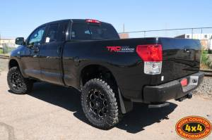 "2012 BLACK TUNDRA 4.5"" BDS LIFT"