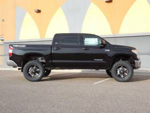 """2014 TOYOTA TUNDRA WITH 4.5"""" BDS SUSPENSION LIFT"""