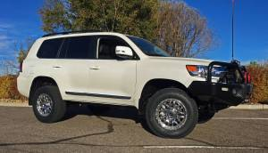 "TOYOTA - TOYOTA LAND CRUISER 200 SERIES (2008-2017) - HCP 4x4 Vehicles - 2016 Toyota Land Cruiser OME Suspenion 33"" Nitto Terra Grapler Tires"