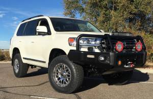"HCP 4x4 Vehicles - 2016 Toyota Land Cruiser OME Suspenion 33"" Nitto Terra Grapler Tires - Image 7"