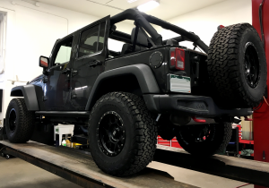 "2015 JEEP JKUR AEV 2.5"" DUAL SPORT SUSPENSION ON 35"" BFGOODRICH TIRES (BUILD#74677) - Image 4"