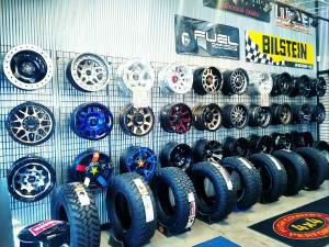 WHEEL & TIRE GALLERY